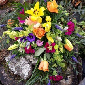 Send Bårebuket fra Aarstidens Blomster www.aarstidens-blomster.dk