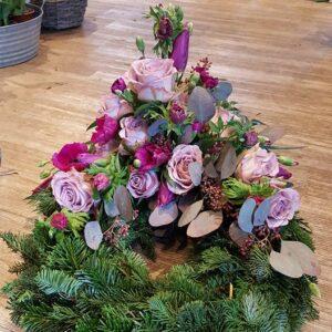 Kærlig krans til begravelsen fra Aarstidens Blomster