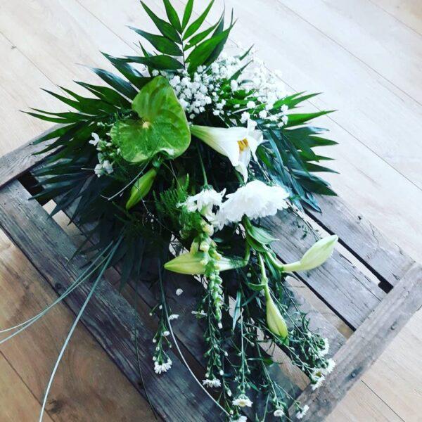 Bårebuket Aarstidens Blomster