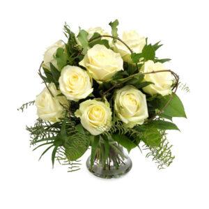 Hvid rosen buket fra Aarstidens Blomster. Send blomster Tune, Send blomster Roskilde, Send blomster København, send blomster Solrød, Send blomster Greve, Send blomster Taastrup, Send blomster Vindinge, Send blomster Hedehusene